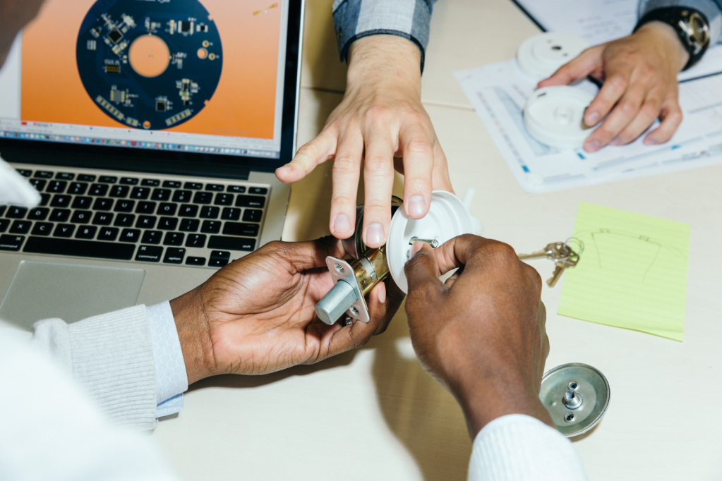<u>IMAGESERIE</u>, Conti Inkubator für Startups