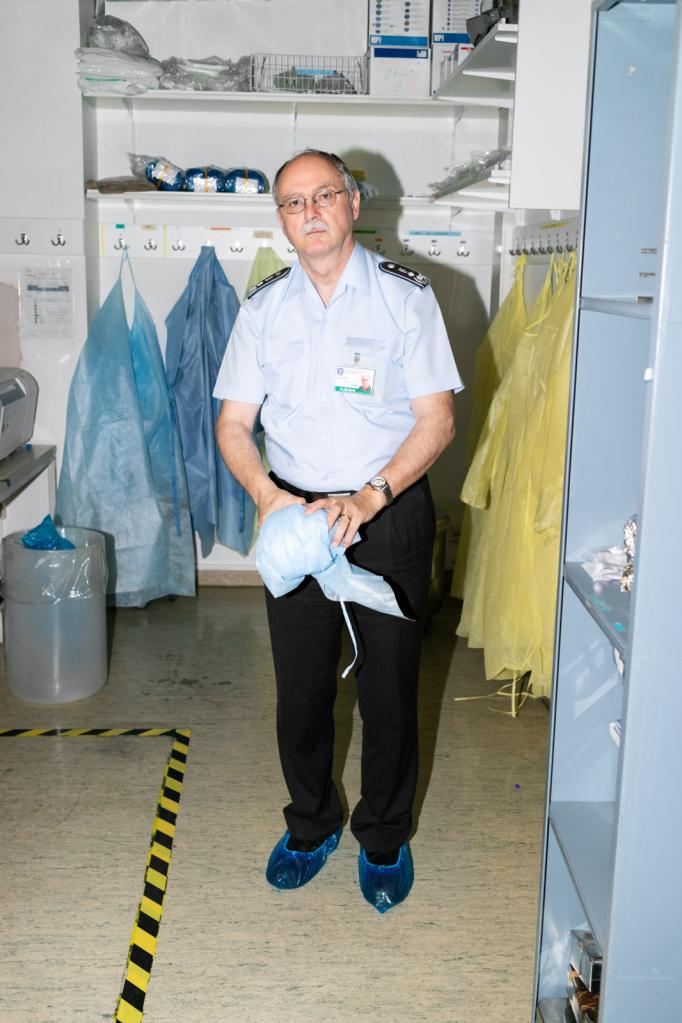 Gerhard Dobler, Virologe und Zeckenforscher